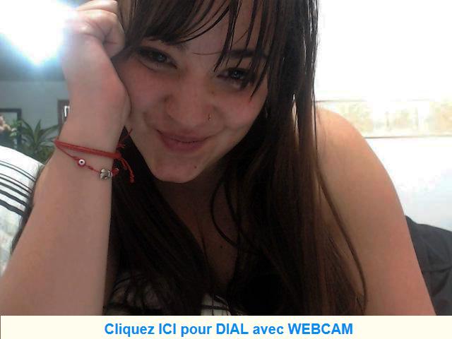 Femme seule cherche une personne pour webcam et rencontre